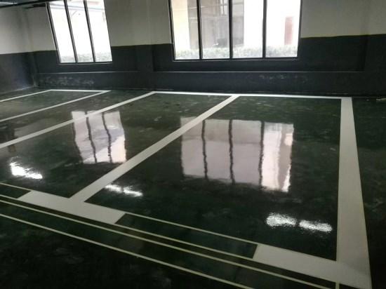 环氧地坪漆一公斤能刷多少平米?